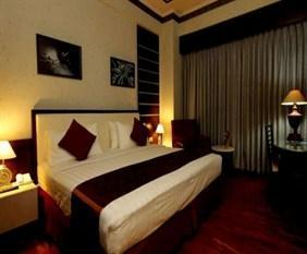Hotel Maharadja Jakarta - Superior Double with Breakfast Regular Plan