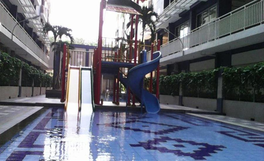 Fastrooms Bekasi - Kolam Renang