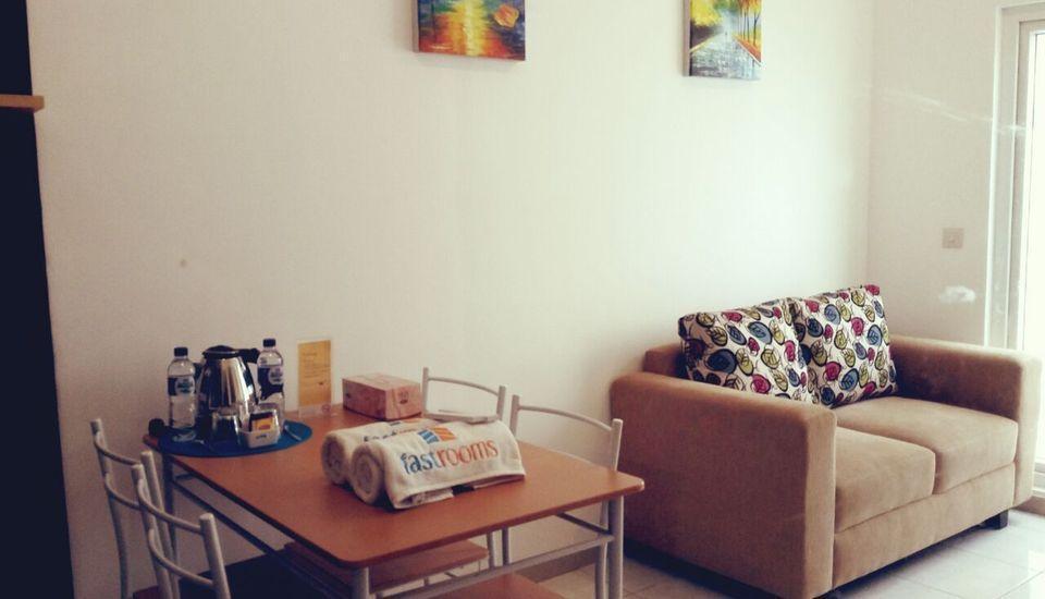 Fastrooms Bekasi Bekasi - Suite Work Room