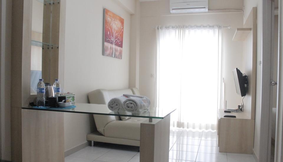 Fastrooms Bekasi - Executive Living Room Regular Plan