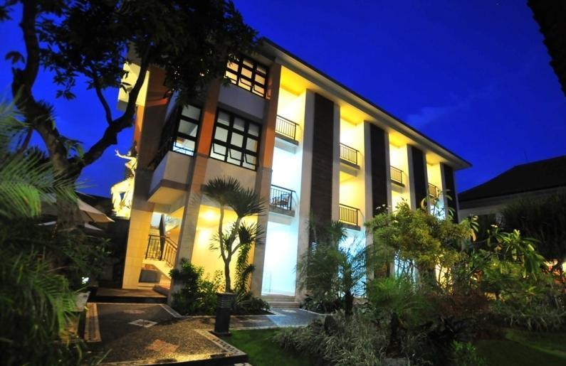 Sandat Hotel Legian - Luar Hotel