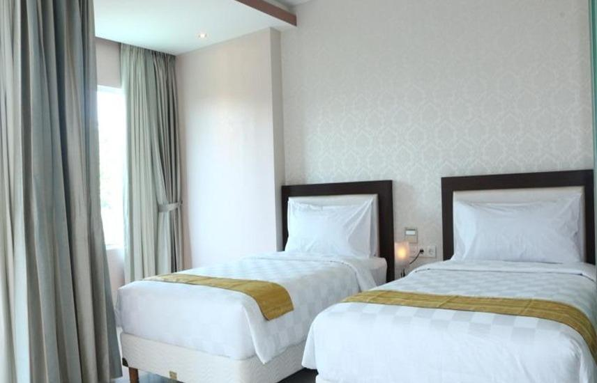 Premium Legian Hotel Bali - Deluxe Balcony Double or Twin Regular Plan