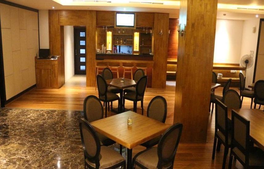 Premium Legian Hotel Bali - Restoran