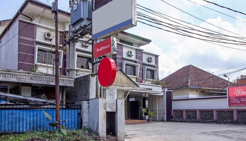 RedDoorz @Wastu Kencana Bandung - Exterior