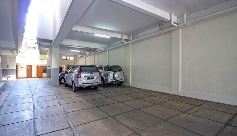 RedDoorz @Wastu Kencana Bandung - Parking Area