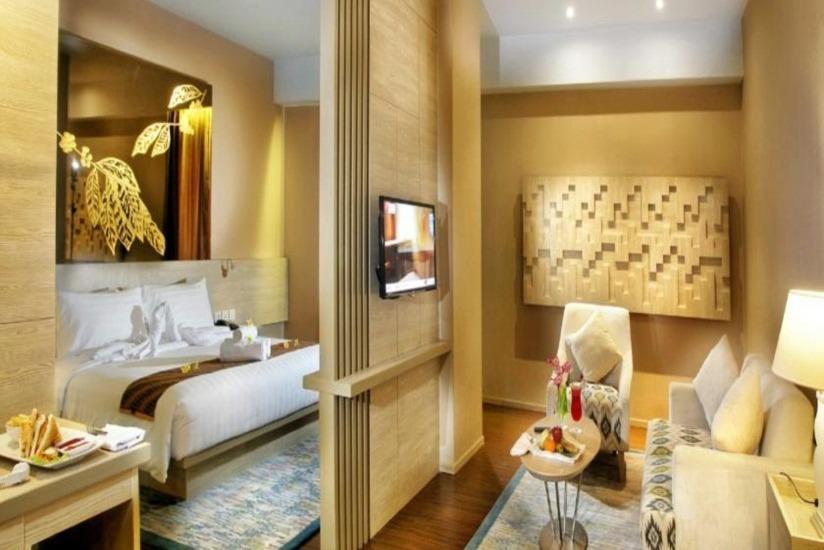 Grand Zuri Muara Enim - Zuri Suite Room Regular Plan