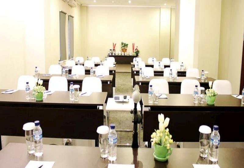 Lorin Hotel Sentul Bogor - Meeting Room