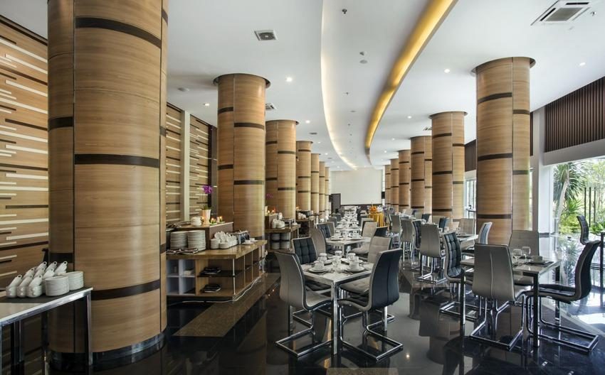 Lorin Hotel Sentul Bogor - Trophy Restaurant