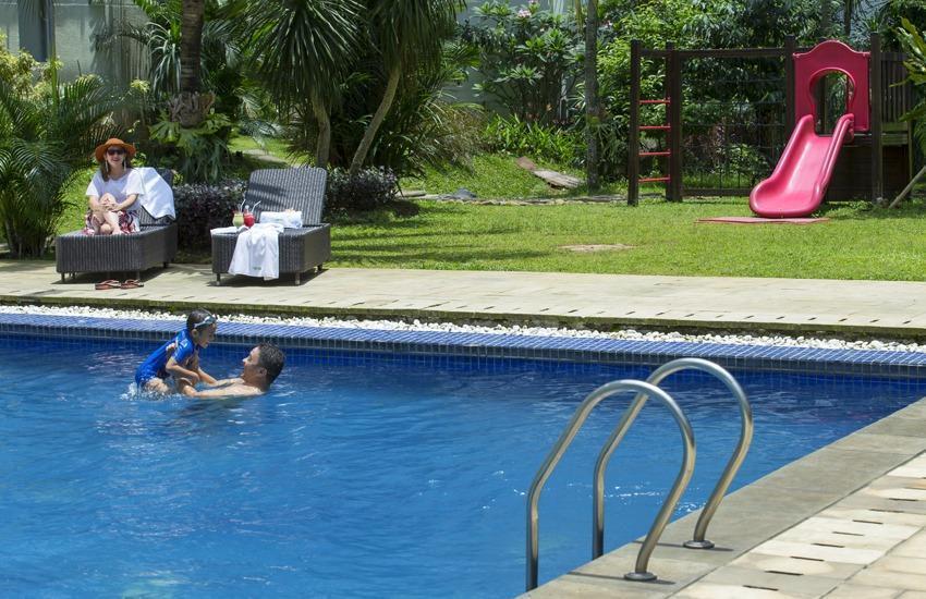 Lorin Hotel Sentul Bogor - Swimming pool