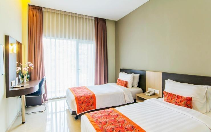 Moscato Hotel and Cafe Bandung - Deluxe Twin Room Minimum Stay