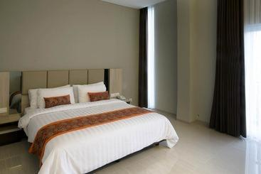 Moscato Hotel and Cafe Bandung - Junior Suite Regular Plan