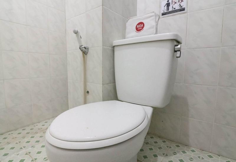 NIDA Rooms Fort Rotterdam Makassar - Kamar mandi