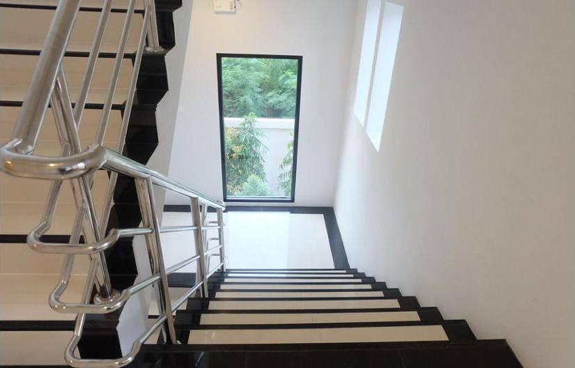 ZEN Rooms D-well Residence Don Muang Bangkok - Staircase