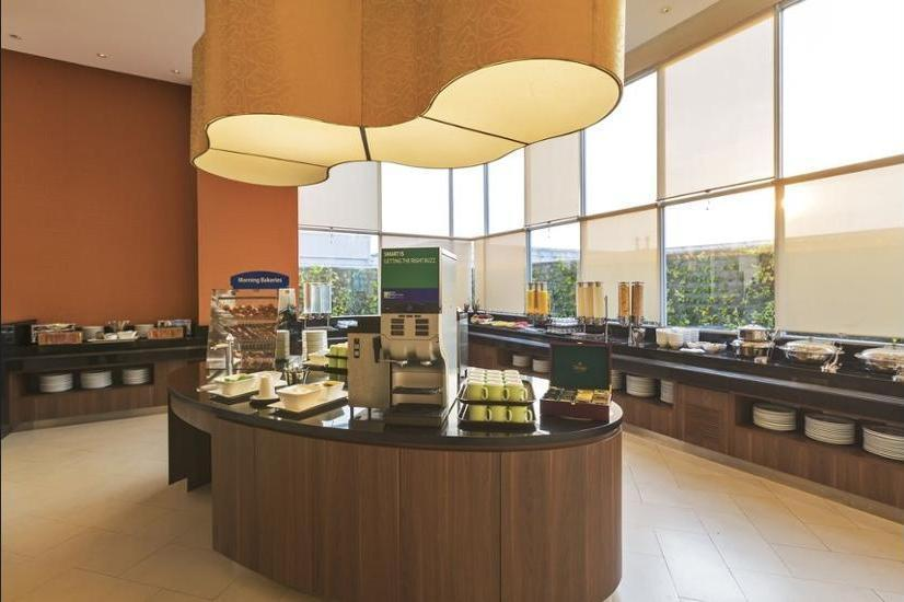 Holiday Inn Express Jakarta Pluit Citygate - Reception