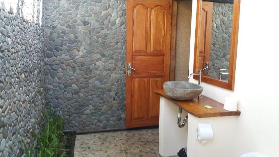 Mango Tree Inn Bali - Bathroom
