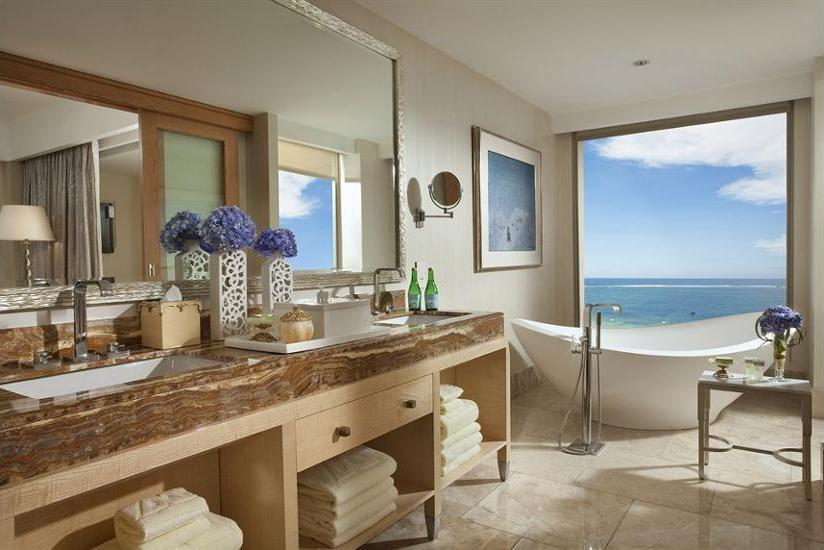 Mulia Resort Bali - Bathroom