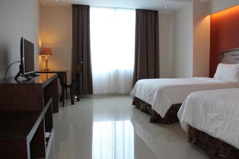 NAM Center Hotel Jakarta - Guestroom