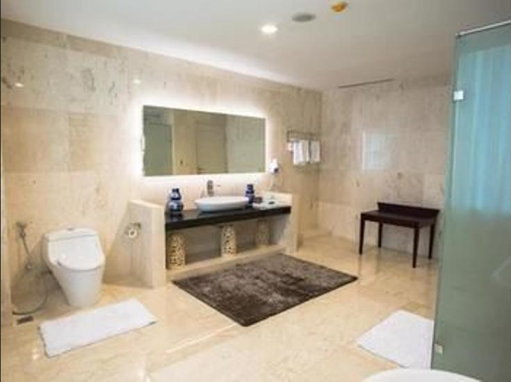 NAM Center Hotel Jakarta - Bathroom