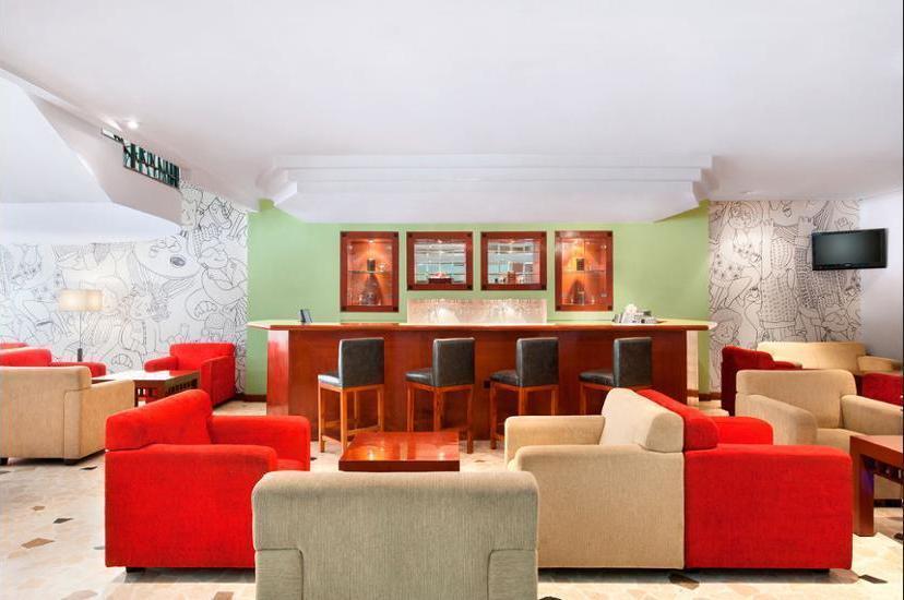 ibis Rajawali Surabaya - Lobby Lounge