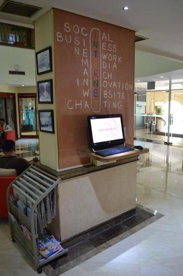 ibis Rajawali Surabaya - Business Center