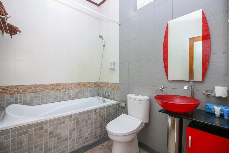 Airy Sanur Pungutan 11A Bali Bali - Bathroom