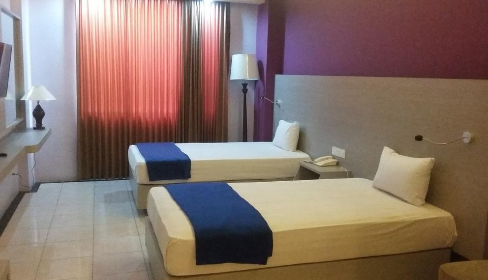 Hotel Kharisma 2 Madiun - Junior Suite Regular Plan
