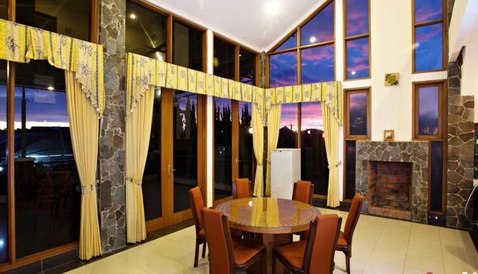 Villa Gerbera II Istana Bunga Lembang Bandung - area publik