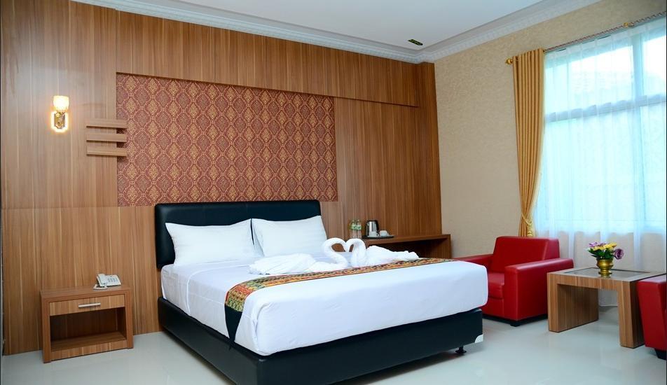 Hotel Radin Inten Syariah Bandar Lampung - Superior King Room Regular Plan