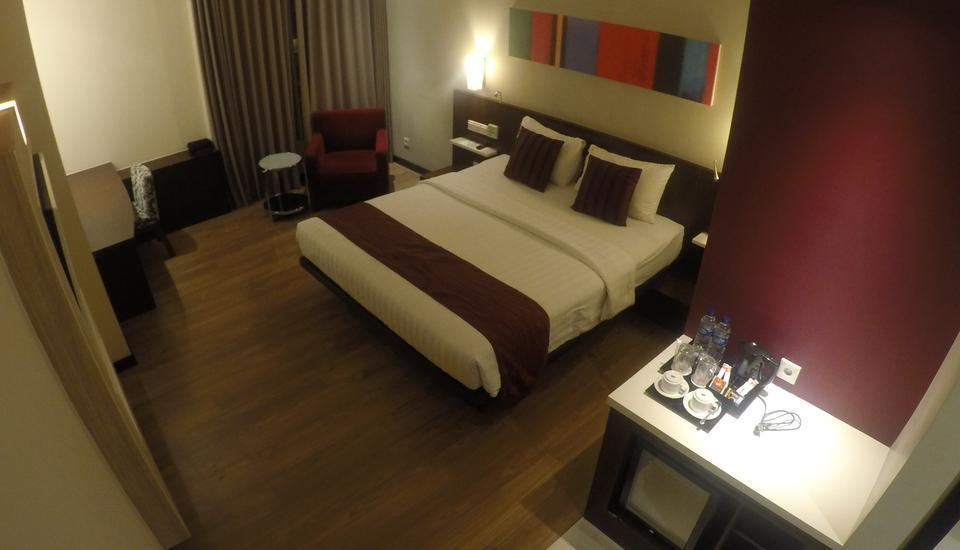 M Regency Makassar - Deluxe Double Room Only Regular Plan