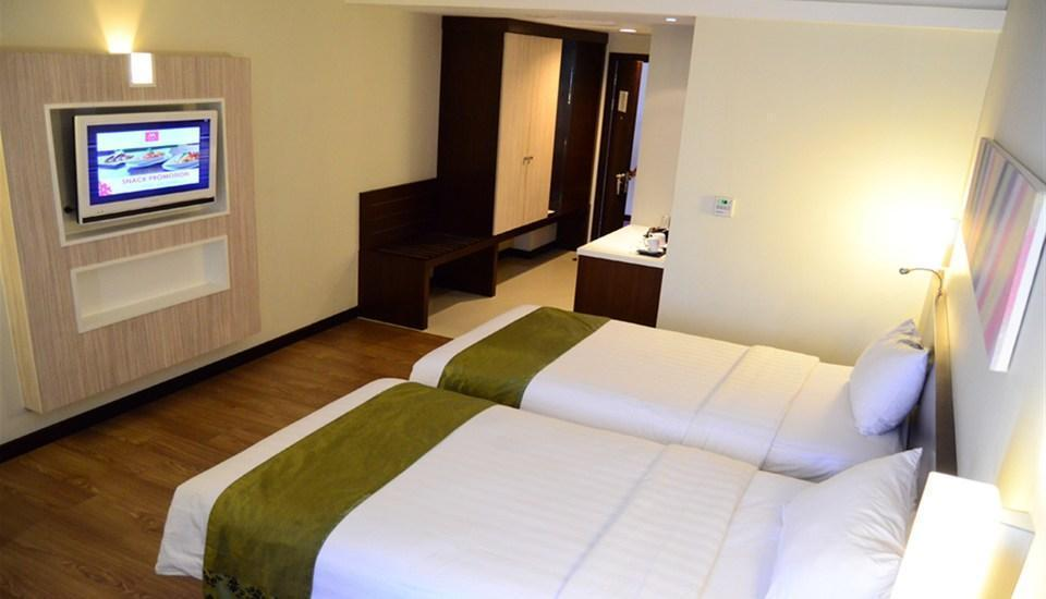 M Regency Makassar - Deluxe Twin Regular Plan