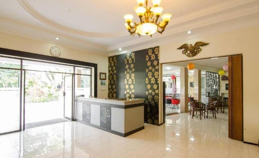 Hotel Aloha Malang - Interior