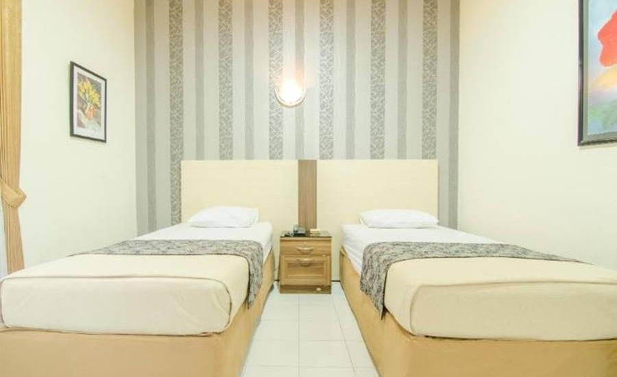 Hotel Aloha Malang - Standard Fan Regular Plan