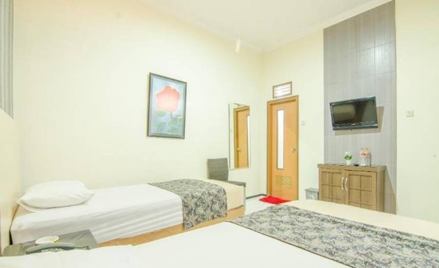 Hotel Aloha Malang - Kamar tamu