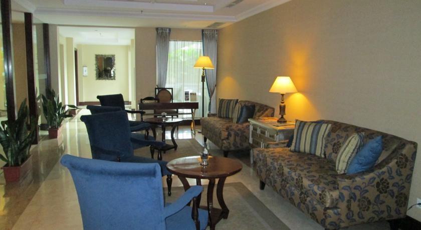 Asmila Hotel Bandung - Ruang Tamu