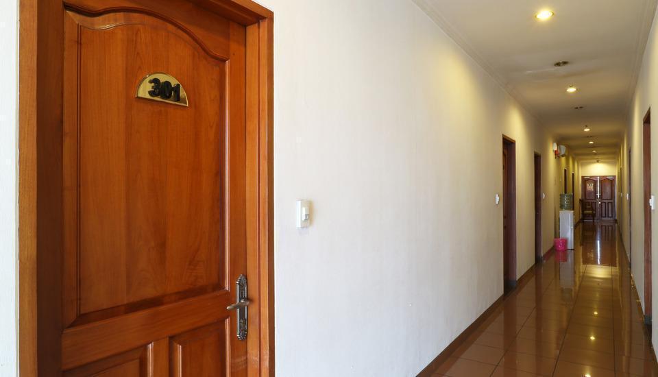 Hotel 678 Cawang - Corridor