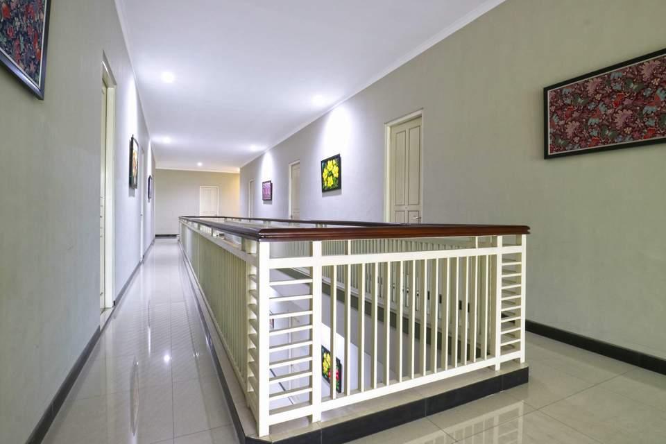 Chiaro Hotel Surabaya - Facilities