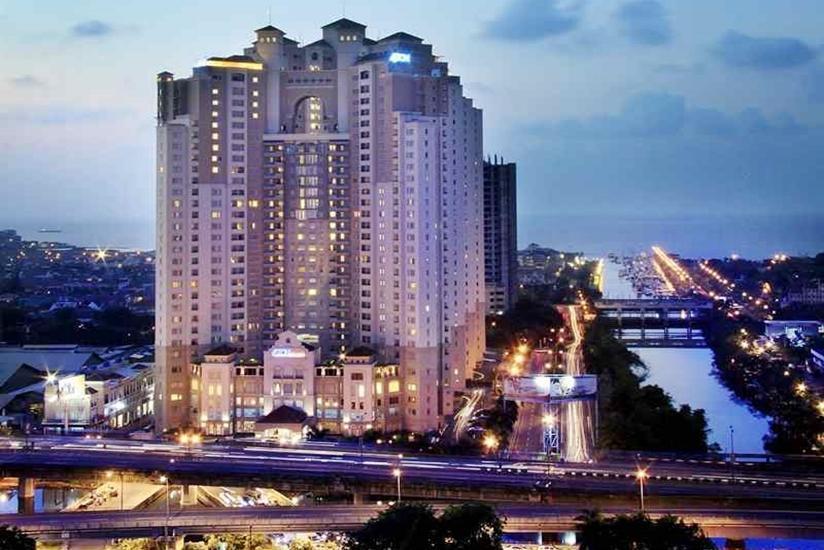 Aston Marina - Hotel Building