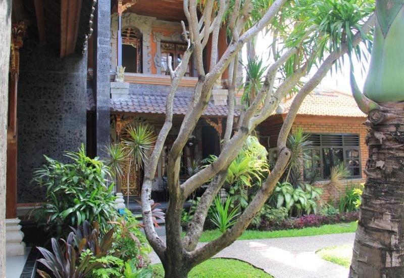 Stana Puri Gopa Bali -