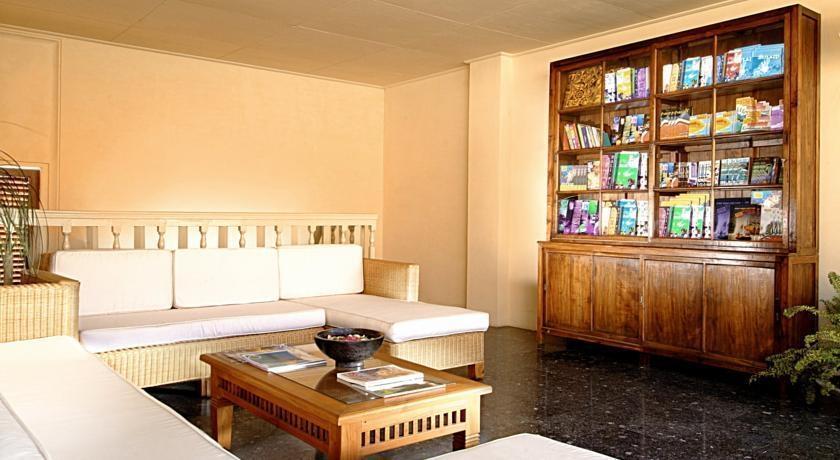 Wida Hotel Bali - Perpustakaan