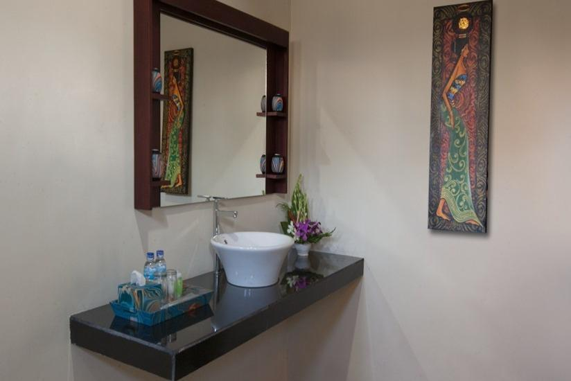 Nesa Sanur Bali - Kamar mandi
