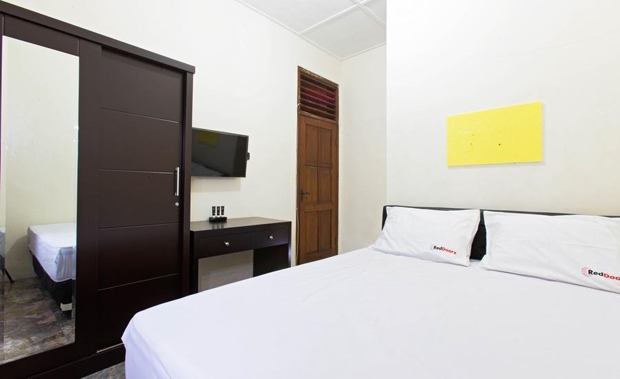 RedDoorz @Cempaka Putih Barat Jakarta - Kamar tamu