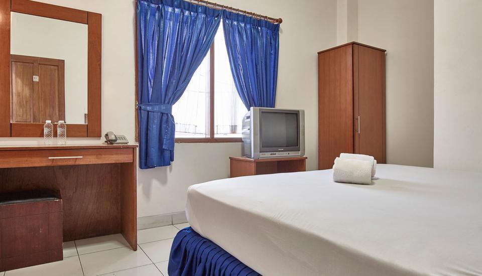 Hotel New Idola Jakarta - Deluxe Room