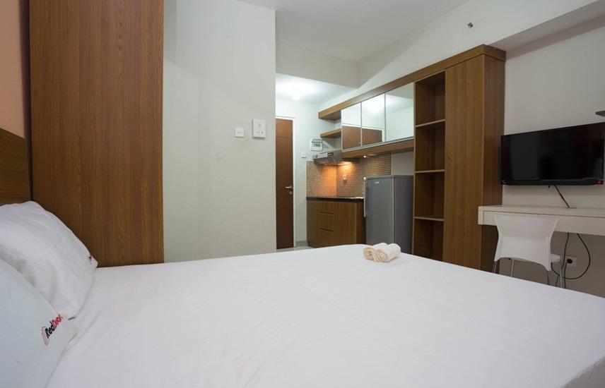 RedDoorz Apartment @Taman Melati Margonda Jakarta - Kamar tamu