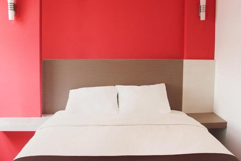 Luxpoint Hotel Surabaya - Kamar tamu