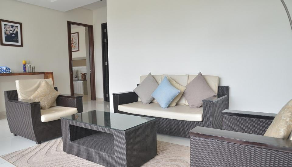 4 BR Pool Villa Dago Mountain View Bandung - Livingroom