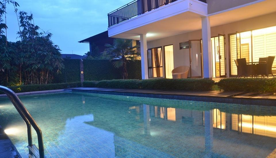 Villa Cemara Elok Dago - Kolam Renang