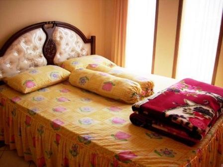 Villa Istana Bunga 3 Bedrooms Bandung - Villa P. Jajang