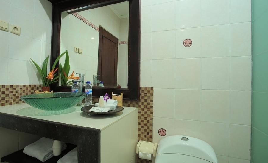 RedDoorz @Pratama Tanjung Benoa Bali - Kamar mandi