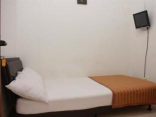 Venice Guest House Bandung - Single Room Private Bathroom Room Only Regular Plan