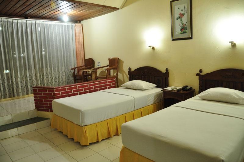 Manyar Garden Hotel Banyuwangi - Deluxe (20/May/2014)